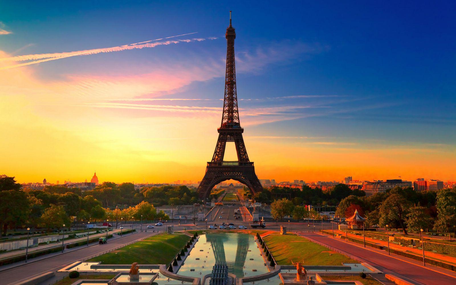 NGÀY 01 : HỒ CHÍ MINH/HÀ NỘI - PARIS