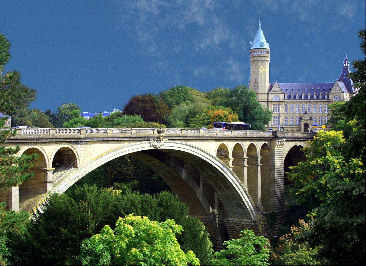 NGÀY 02 : PARIS - LUXEMBOURG - TRIER