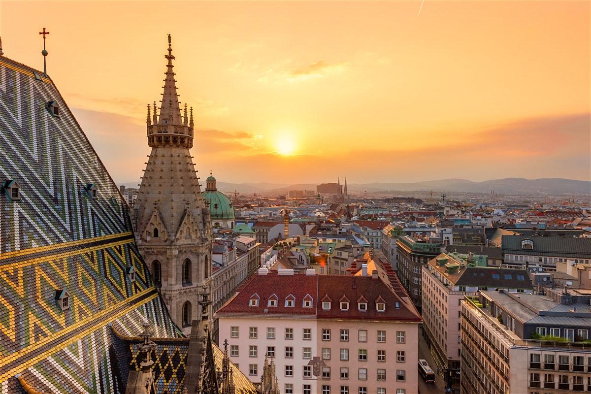 NGÀY 06 :  PRAGUE - VIENNA - BRATISLAVA(Ăn sáng, ăn tối)
