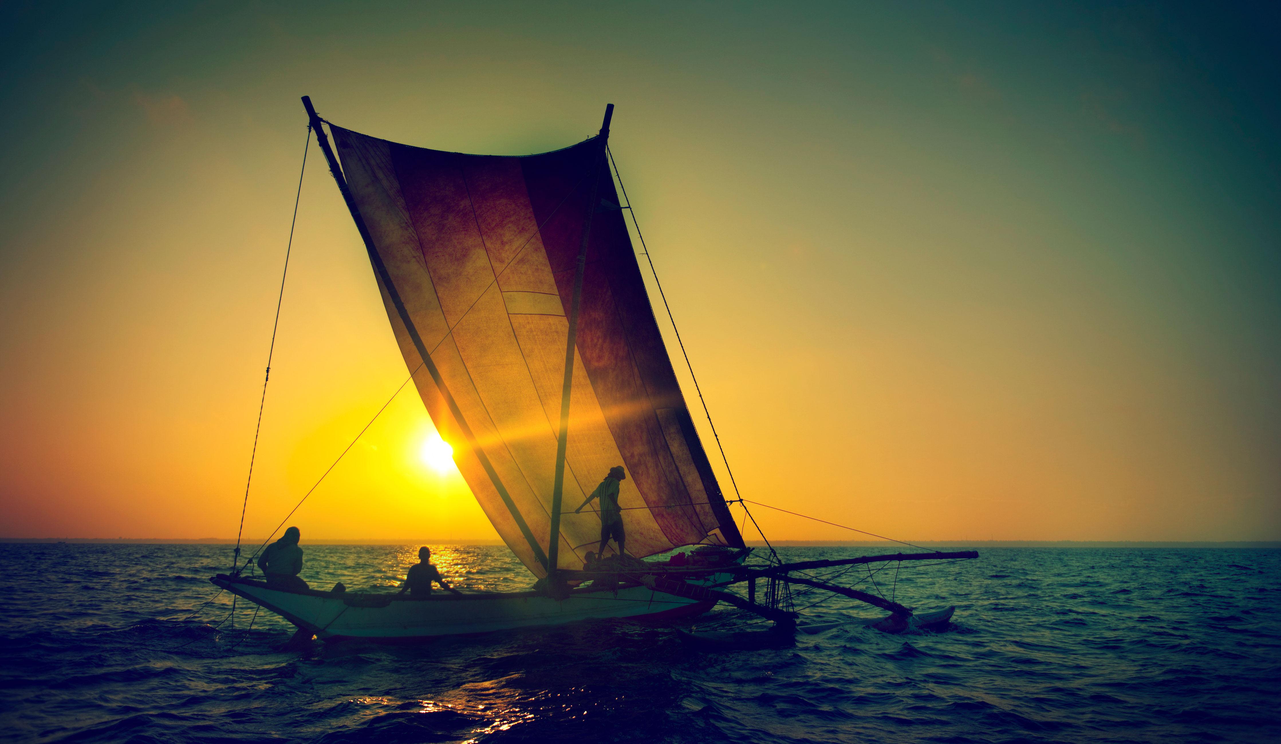 NGÀY 4: MAAFUSHI - CATAMARAN SAILING TRIP(ĂN SÁNG, TỐI)